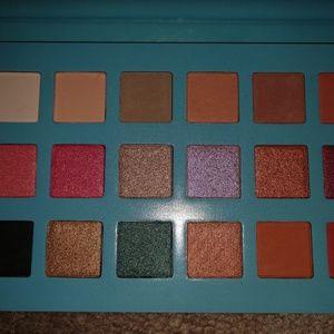 Eighteen Color Eyeshadow Palette